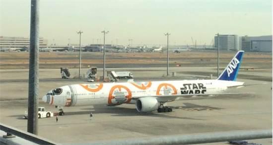 מטוס סטאר וורס של חברת התעופה היפנית ANA  / צילום: מיכל רז חיימוביץ'