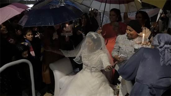 כלה בגשם שוטף / צילום: מתן פורטנוי, גלובס