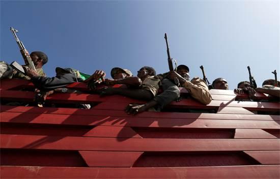 חמושים מהחזית לשחרור העם הטיגרי / צילום: Tiksa Negeri, רויטרס