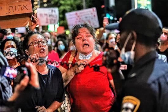 ההפגנה מכיכר הבימה. הערב / צילום: שלומי יוסף, גלובס