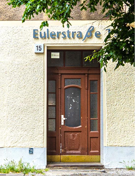 הבניין באוילר שטראסה 15 / צילום: רותי צונץ, ברלין