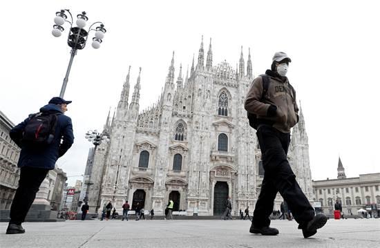 כיכר הדואומו במילאנו ב-5 במרץ 2020 / צילום: Guglielmo Mangiapane, רויטרס