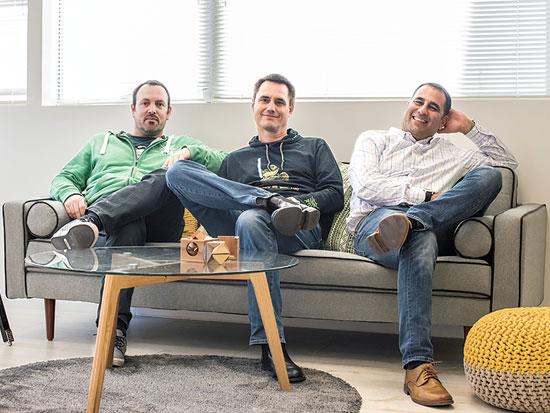 מייסדי Jfrog, שלומי בן חיים פרד סימון ויואב לנדמן צילום: Jfrog