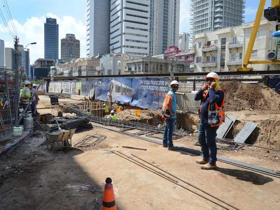 עבודות הבנייה של הרכבת הקלה בתל אביב/ צילום: איל יצהר
