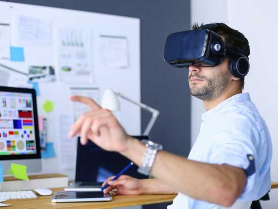 משקפי מציאות וירטואלית יוכלו לזהות את רמות הסטרס/ צילום:  Shutterstock/ א.ס.א.פ קריאייטיב