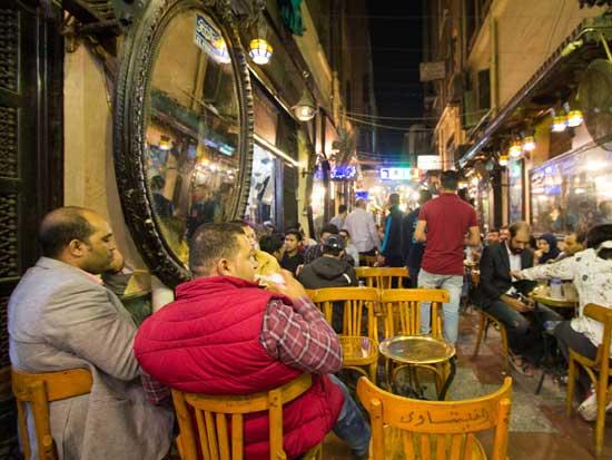 בית הקפה של נגיב מחפוז / צילום: Shutterstock/ א.ס.א.פ קריאייטיב