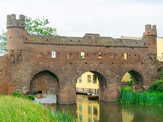 העיר זוטפן גשרים וביצורים /  Shutterstock | א.ס.א.פ קריאייטיב