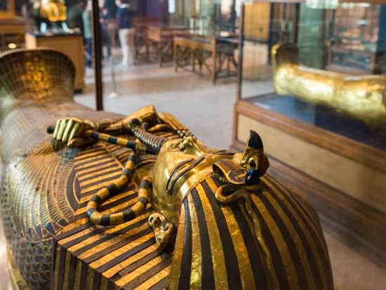 מסכת המוות של המלך תות ענח' אמון / צילום: גליה גוטמן