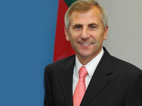 ויגאודס אוסקאס, שר החוץ של ליטא / צלם יחצ
