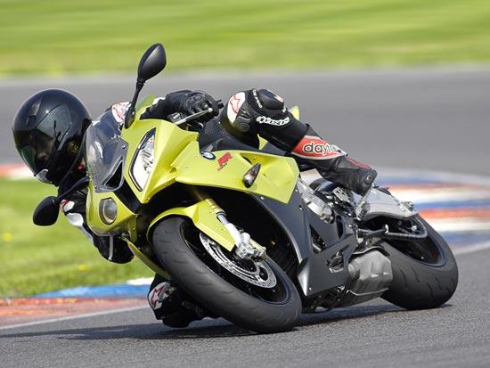 אופנוע הסופר-ספורט הסדרתי החדש S1000 RR