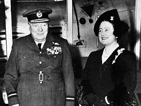 המלכה אליזבת, וינסטון צ'רצ'יל / צלם רויטרס / צילום: רויטרס