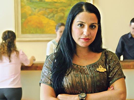 אביה אלמוזנינו, מנכ