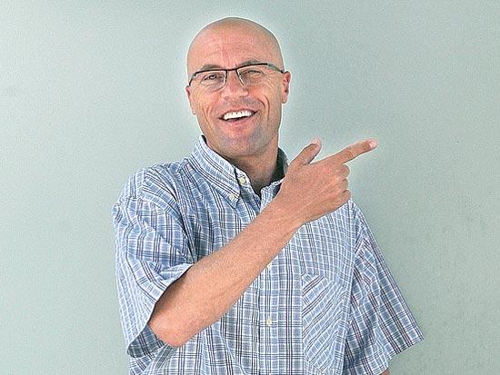יואב לוי, יועץ עסקי / צלם עינת לברון
