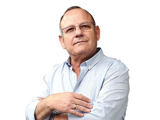 מיכה קראוס, שגריר / צלם תמר מצפי