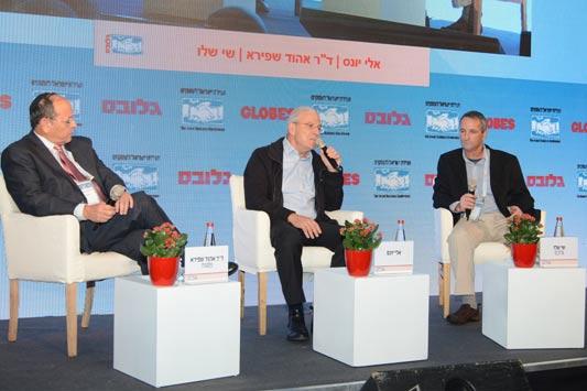 Eli Yones and Ehud Shapira with Shay Shalev. צילום איל יצהר