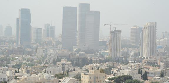 אובך וזיהום אויר בתל אביב / צלם: תמר מצפי