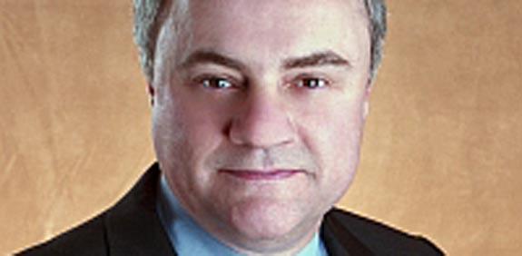 """סטיב מילס, סגן נשיא בכיר, מנהיג את חטיבת התוכנה של IBM/ צילום: יח""""צ  IBM"""