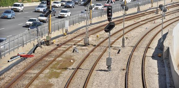 מסילת רכבת נתיבי אילון / צלם:  איל יצהר