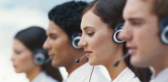 שיחת שירות לקוחות / צילום: thinkstock