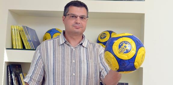 ג'ק אנגלידיס נציג הבעלים של מיטש גולדהאר במכבי ת''א כדורגל / צלם: תמר מצפי