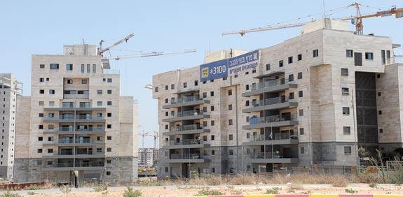בנייה בנגב / צילום: איל יצהר