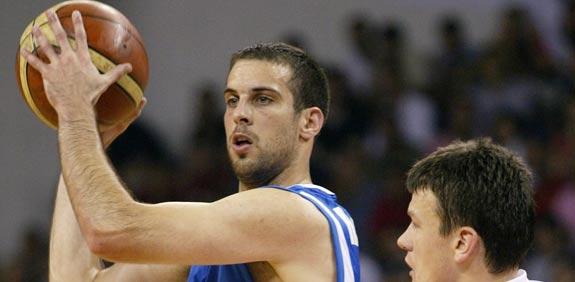 יותם הלפרין במדי נבחרת ישראל בכדורסל / צלם: רויטרס