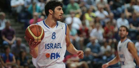 ליאור אליהו במדי נבחרת ישראל בכדורסל / צלם: באדיבות איגוד הכדורסל