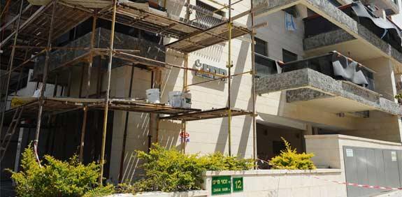 בניין בשיפוץ / צילום:תמר מצפי