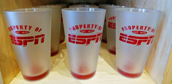 כוסות ממותגות ESPN / צלם: בלומברג
