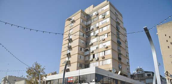 הבניין בסקולוב/ צילום:תמר מצפי