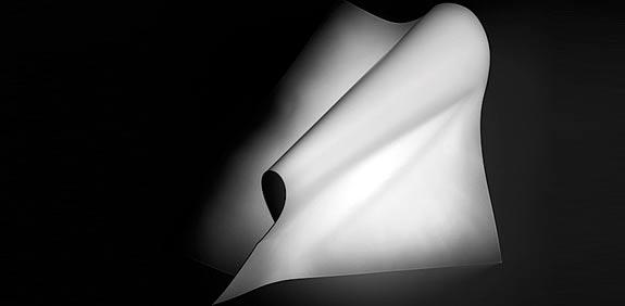 עבודה של אוהד מטלון / צילום: אלכס פרגמנט