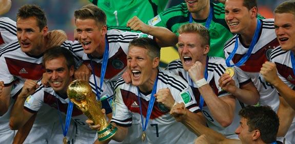נבחרת גרמניה זוכה בגביע העולם 2014 / צילום: רויטרס