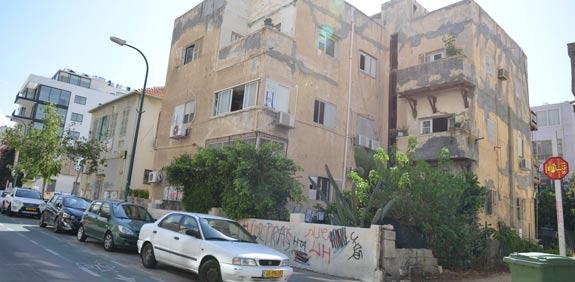 מגרש ברחוב גאולה / צילום: תמר מצפי