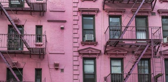 """נדל""""ן בניו-יורק: מי ניצח בהצבעה על עישון בבניין המגורים?"""