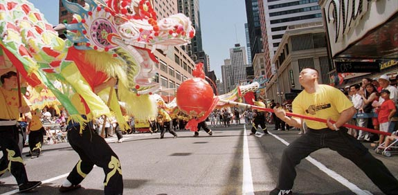 סינים במנהטן / צילום: רויטרס