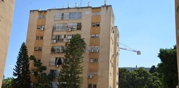 כפר סבא, ברחוב המפלס, דירת 3 וחצי חדרים / צילום: תמר מצפי