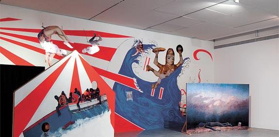 מבט גלובלי על התערוכה  / צילום: אלעד שריג