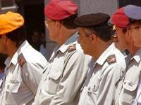 קצינים  קריה חיילי צבא קבע חיילים / צלם: רויטרס