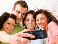 טלפון סלולרי תקשורת ואינטרנט סלולרי נוער ילדים גאדג`טים / צלם: פוטוס