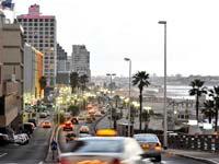 טיילת חוף תל אביב מלונות / צלם: בלומברג