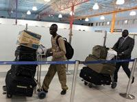 פליטים   עובדים זרים סודנים  חוזרים לארצם / צלם: לעמ