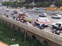 תאונת אופנוע במחלף השלום בתא נתיבי איילון / צילום: אורי דוד