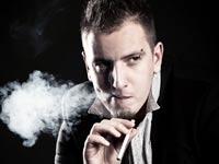 סיגריה  / צלם:  טינקסטוק