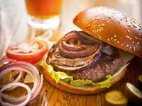 תענוגות בשרים אוכל המבורגר / צלם: בן יוסטר