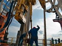 מתקן לחיפוש נפט / צילום: בלומברג