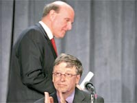 ביל גייטס וסטיב באלמר / צילום: בלומברג