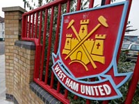 הלוגו של מועדון הכדורגל ווסטהאם / צלם: רויטרס