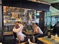 בית קפה/ צלם: תמר מצפי
