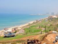 חוף הצוק בתל אביב / צילום: תמר מצפי