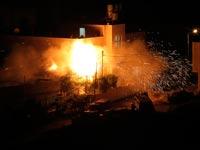 הפגזת בית המחבל בחברון / צילום: רויטרס